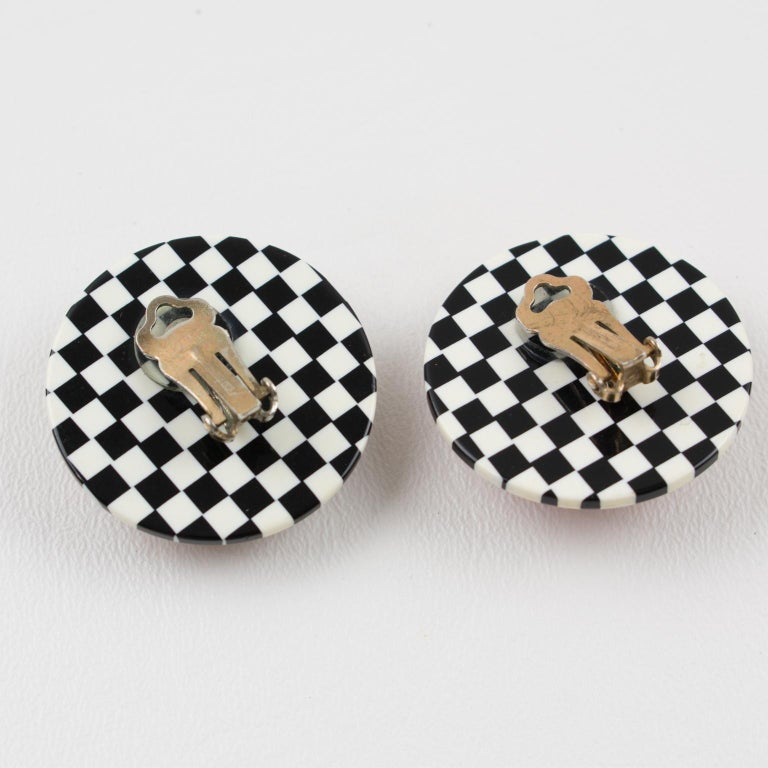Harriet Bauknight for Kaso Lucite Clip on Earrings B & W Checkerboard In Excellent Condition For Sale In Atlanta, GA
