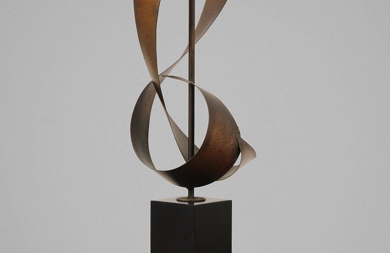 Harry Balmer Brutalist Metal Ribbon Table Lamp for Laurel For Sale 4