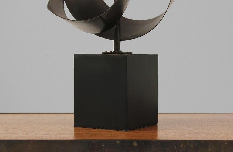 Harry Balmer Brutalist Metal Ribbon Table Lamp for Laurel For Sale 6