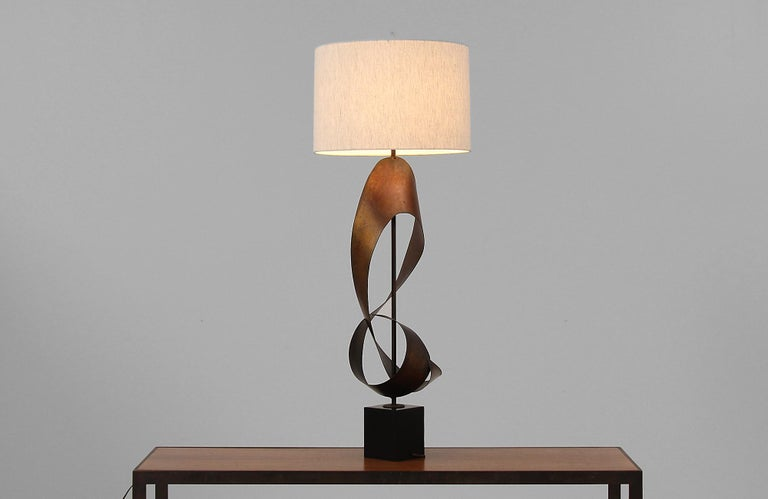 American Harry Balmer Brutalist Metal Ribbon Table Lamp for Laurel For Sale