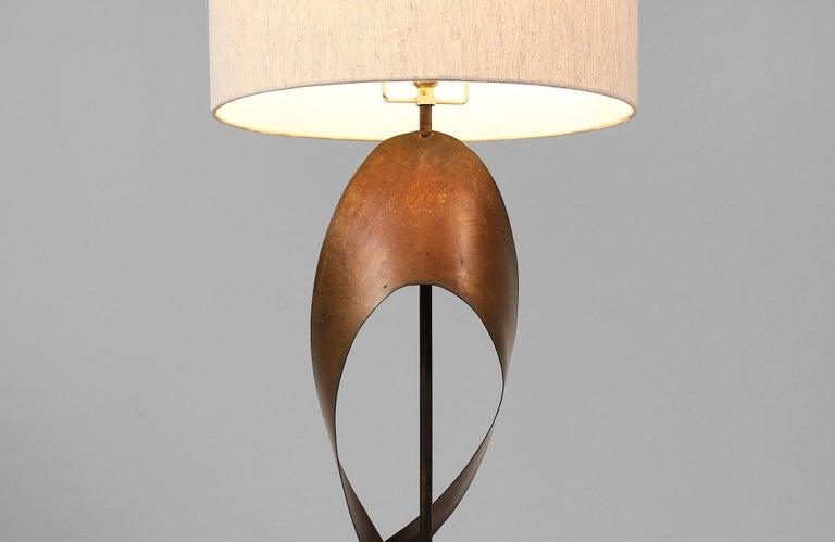 Harry Balmer Brutalist Metal Ribbon Table Lamp for Laurel For Sale 2
