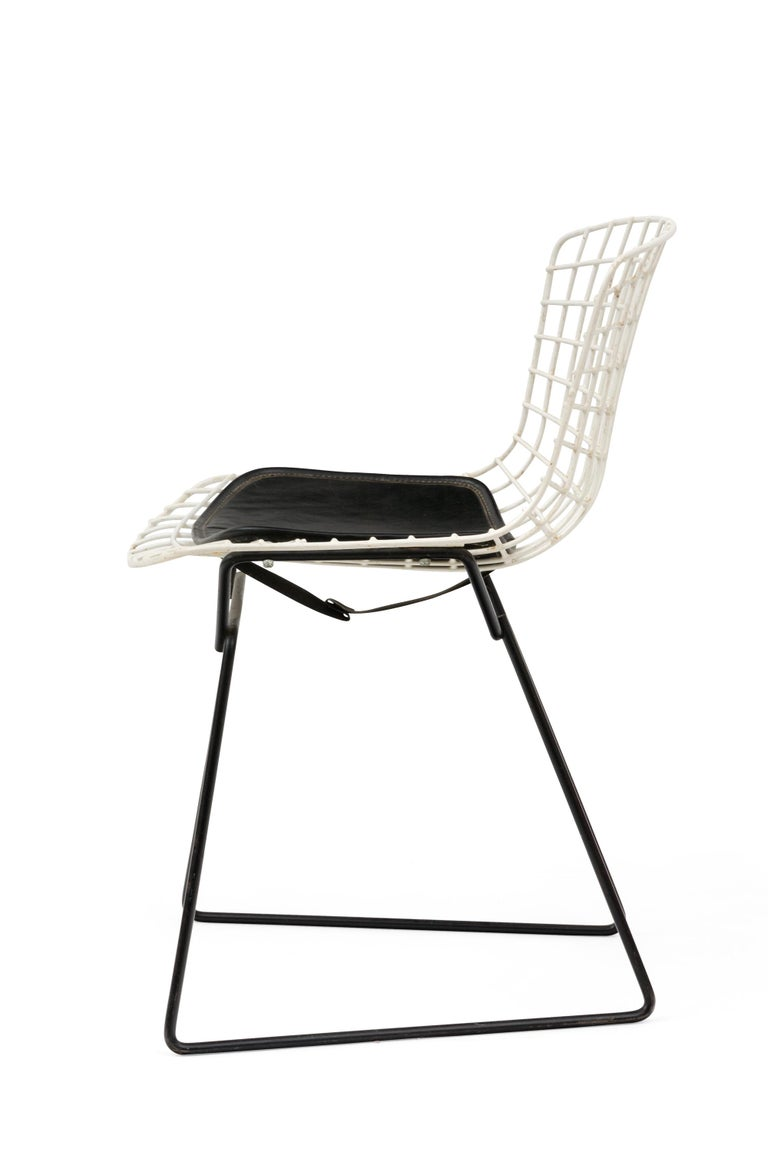 American Harry Bertoia Child's Chairs in White with Original Knoll Seat Pads, USA, 1960s For Sale