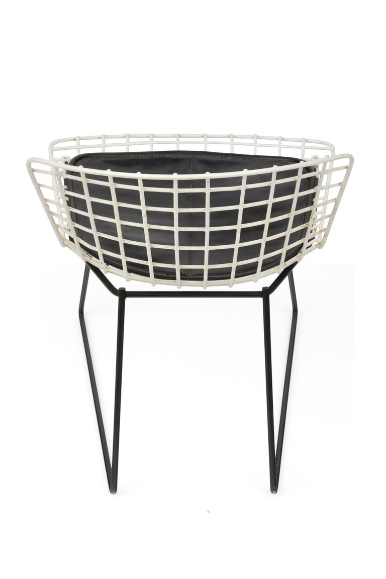 Mid-20th Century Harry Bertoia Child's Chairs in White with Original Knoll Seat Pads, USA, 1960s For Sale