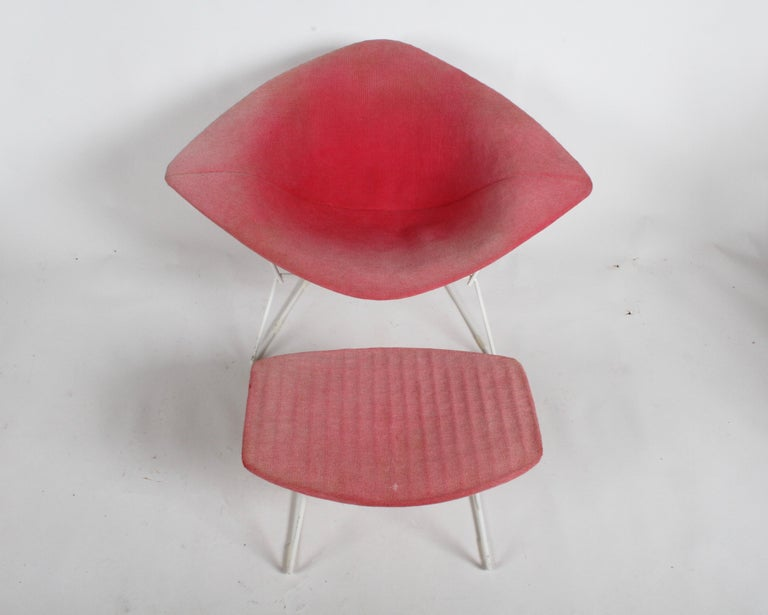 Harry Bertoia for Knoll Wide White Diamond Chair & Ottoman with Pink Upholstery  For Sale 5