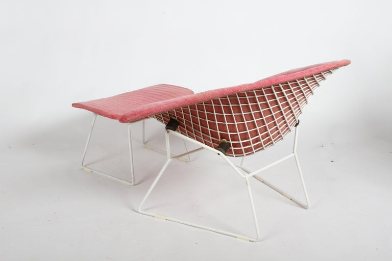 Harry Bertoia for Knoll Wide White Diamond Chair & Ottoman with Pink Upholstery  For Sale 6