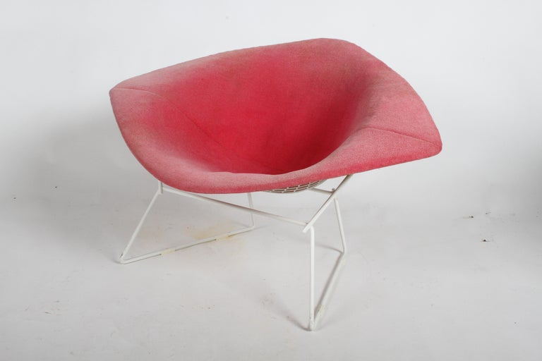 Harry Bertoia for Knoll Wide White Diamond Chair & Ottoman with Pink Upholstery  For Sale 8