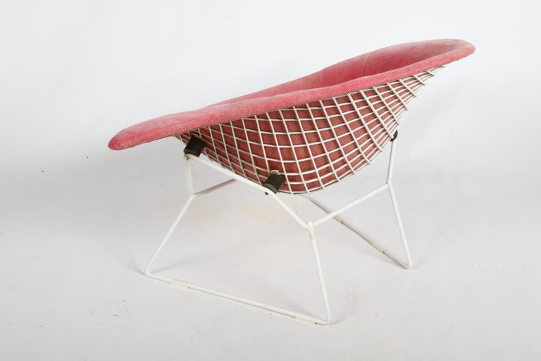 Harry Bertoia for Knoll Wide White Diamond Chair & Ottoman with Pink Upholstery  For Sale 11