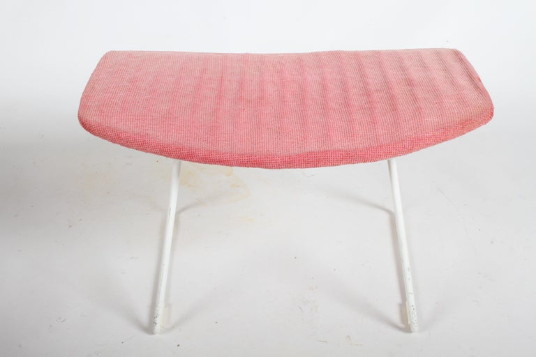 Harry Bertoia for Knoll Wide White Diamond Chair & Ottoman with Pink Upholstery  For Sale 12