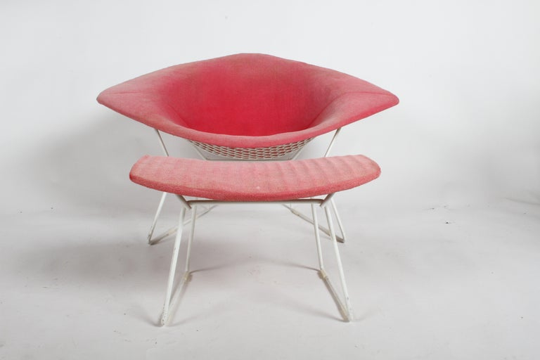 Mid-Century Modern Harry Bertoia for Knoll Wide White Diamond Chair & Ottoman with Pink Upholstery  For Sale