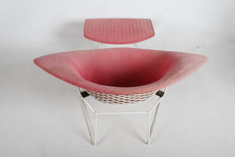 Mid-20th Century Harry Bertoia for Knoll Wide White Diamond Chair & Ottoman with Pink Upholstery  For Sale