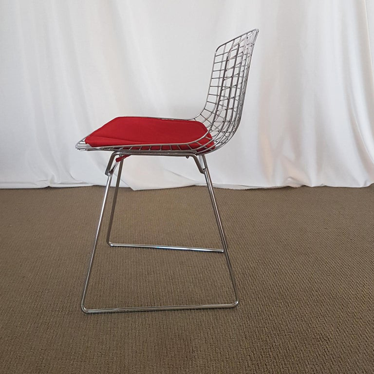 Harry Bertoia Italian Steel Wire Side Chair with Red Cushion, Mid-Century Modern In Good Condition For Sale In Mornico al Serio ( BG), Lombardia