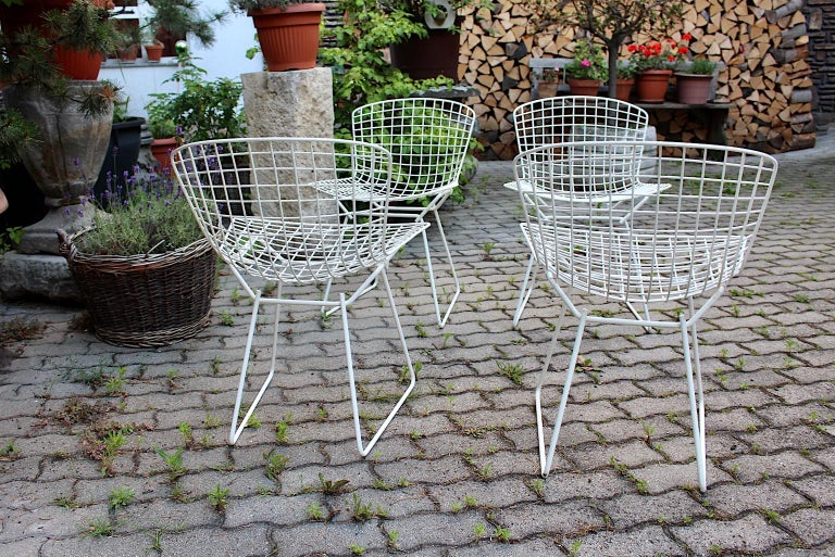 Harry Bertoia Mid-Century Modern Vintage Set of Four White Dining Chairs, 1950s For Sale 4