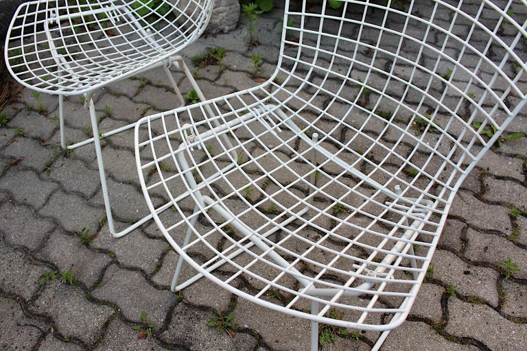 Harry Bertoia Mid-Century Modern Vintage Set of Four White Dining Chairs, 1950s For Sale 8
