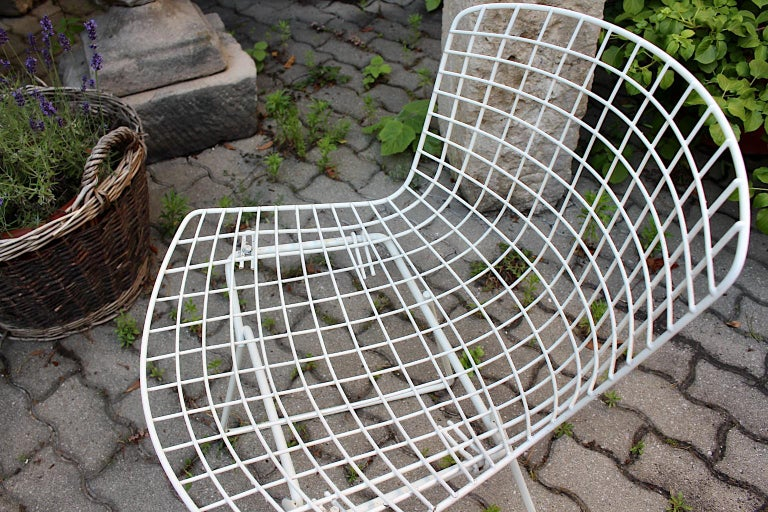 Harry Bertoia Mid-Century Modern Vintage Set of Four White Dining Chairs, 1950s For Sale 9