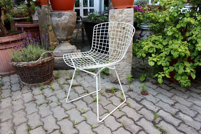 Harry Bertoia Mid-Century Modern Vintage Set of Four White Dining Chairs, 1950s For Sale 10