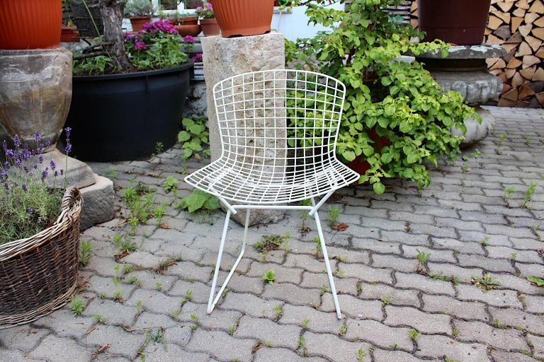Harry Bertoia Mid-Century Modern Vintage Set of Four White Dining Chairs, 1950s For Sale 11