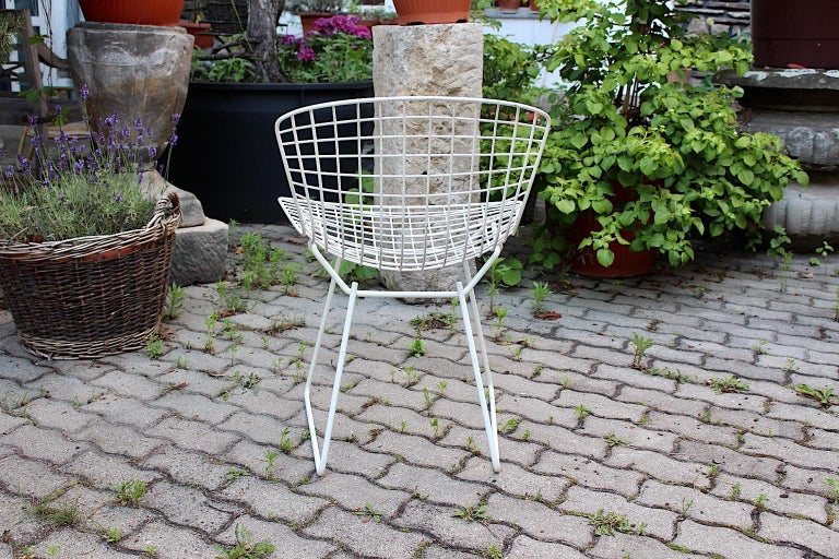 Harry Bertoia Mid-Century Modern Vintage Set of Four White Dining Chairs, 1950s For Sale 12