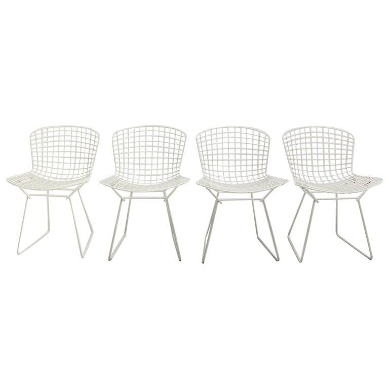 Harry Bertoia Mid-Century Modern Vintage Set of Four White Dining Chairs, 1950s For Sale