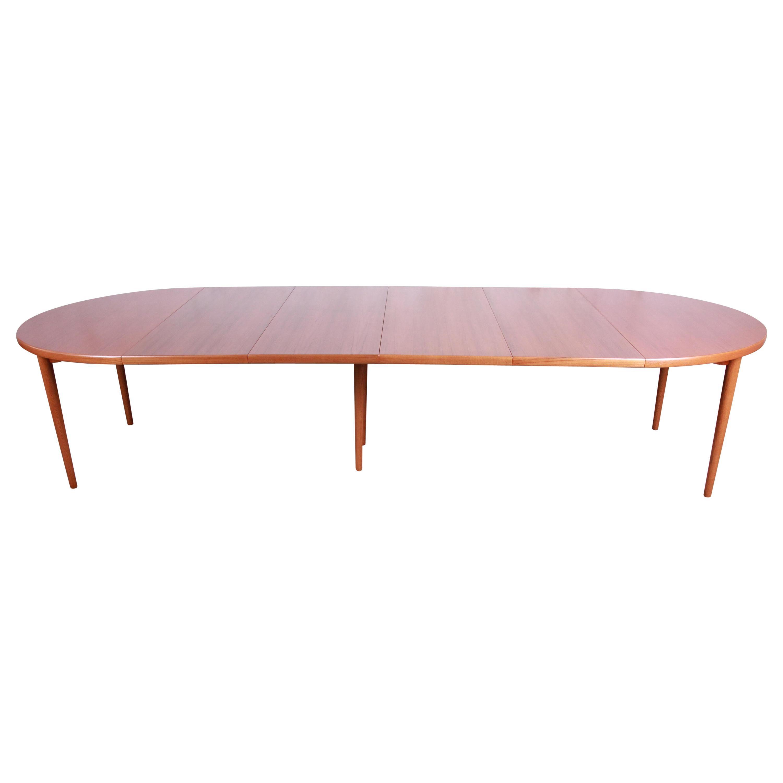 Harry Østergaard for Moreddi Swedish Modern Teak Dining Table, Newly Refinished
