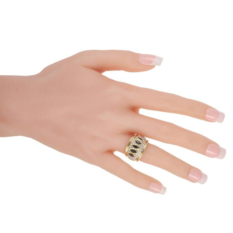 Round Cut Harry Winston 18k Yellow Gold 1.50 Ct Diamond and Sapphire Ring