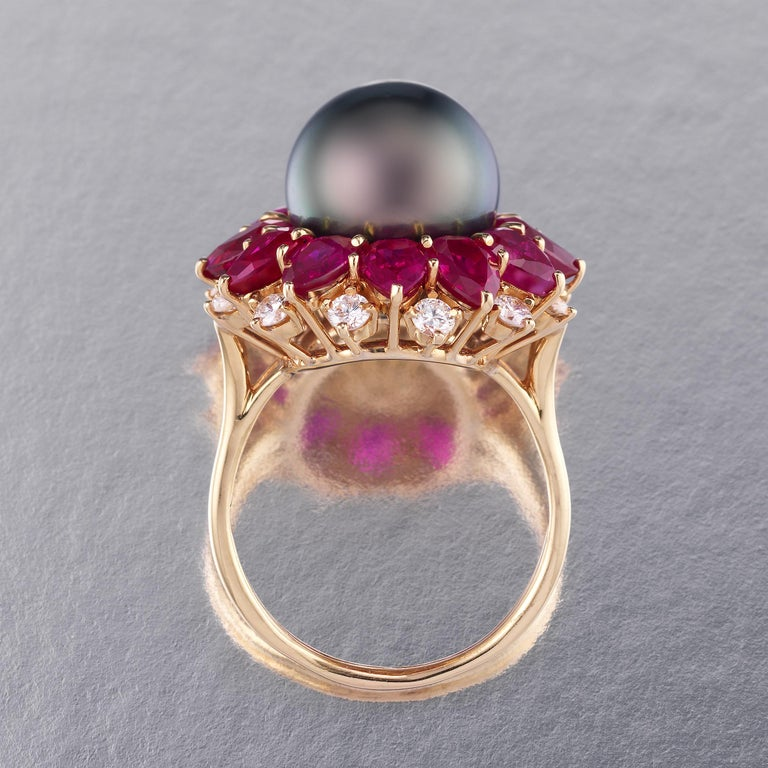 Mixed Cut Harry Winston 1970s Diamond Ruby Tahitian Black Pearl Ring in 18K Gold For Sale