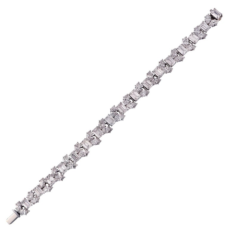 Harry Winston 24.17 Carat Diamond Bracelet In Excellent Condition For Sale In Miami, FL