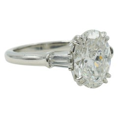 Harry Winston 3.12ct Oval Engagement Ring with Tapered Baguettes in Platinum