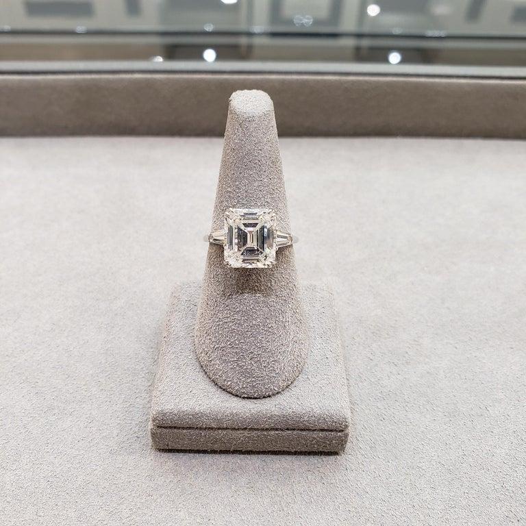 Harry Winston 4.01 Carat Emerald Cut Diamond Three-Stone Engagement Ring For Sale 5