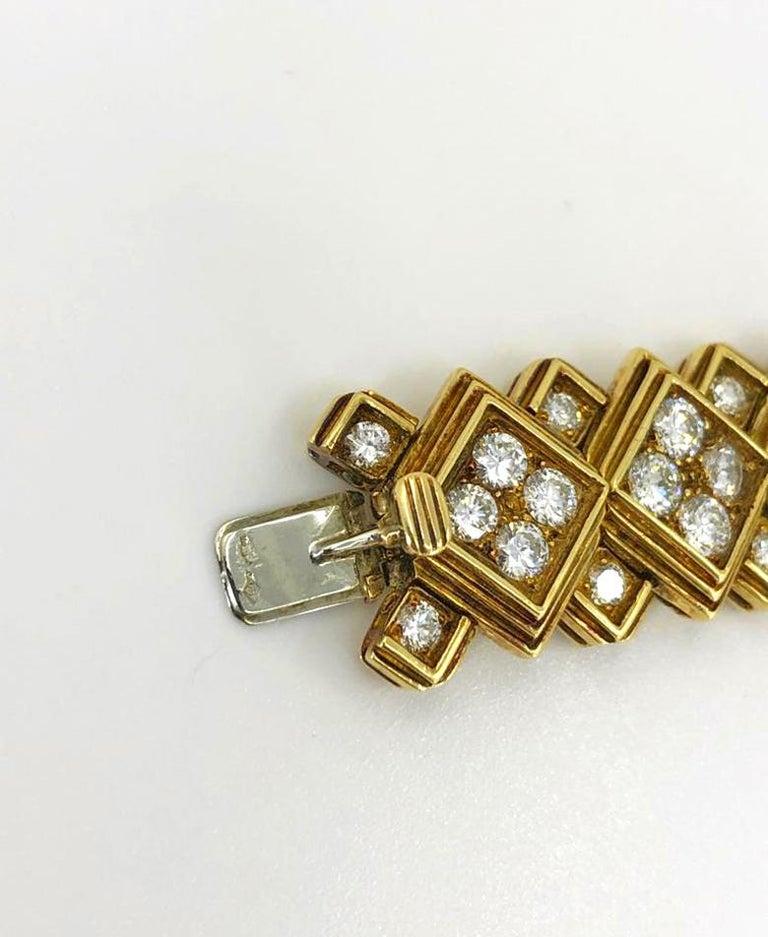 Round Cut Harry Winston Diamond Bracelet For Sale
