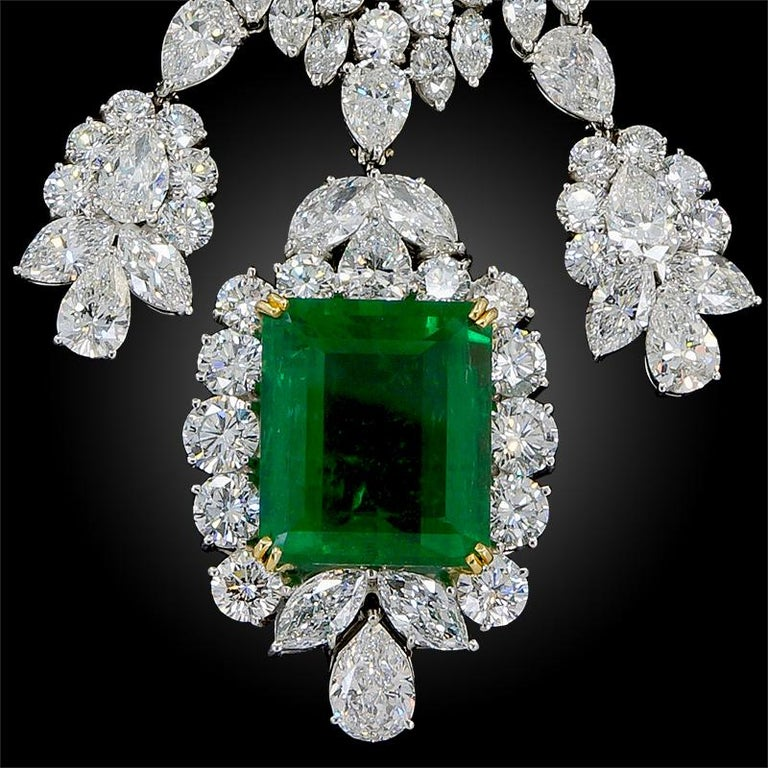 Harry Winston Diamond, Emerald Necklace In Good Condition For Sale In New York, NY