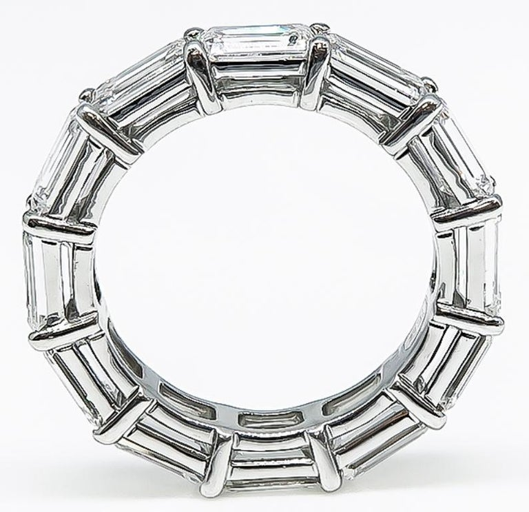 Harry Winston Diamond Platinum Eternity Wedding Band In Excellent Condition For Sale In New York, NY