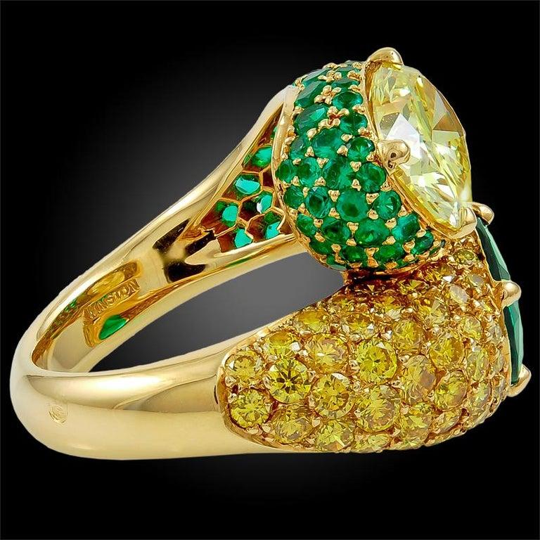Women's Harry Winston Fancy Intense Yellow Diamond and Emerald Twin Ring For Sale