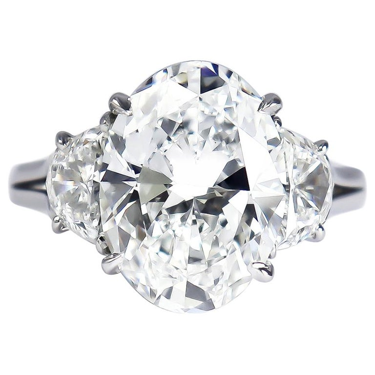 Harry Winston GIA Certified 5.01 Carat E VS1 Oval Brilliant Diamond Ring For Sale
