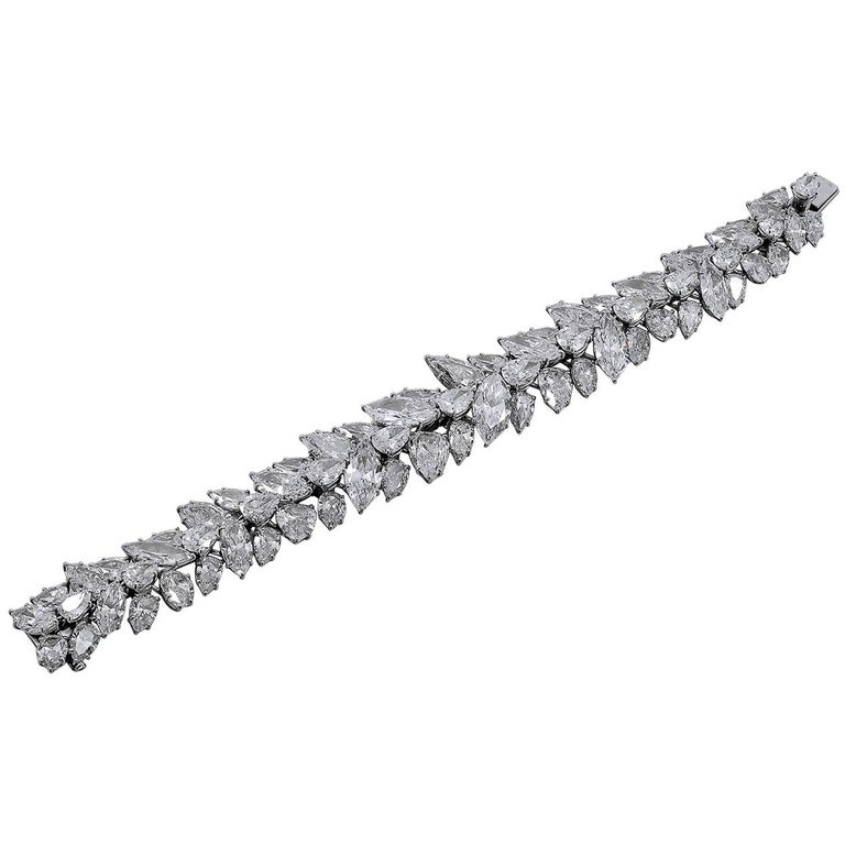 Harry Winston Pear and Marquise Shaped Diamond Cluster Bracelet For Sale