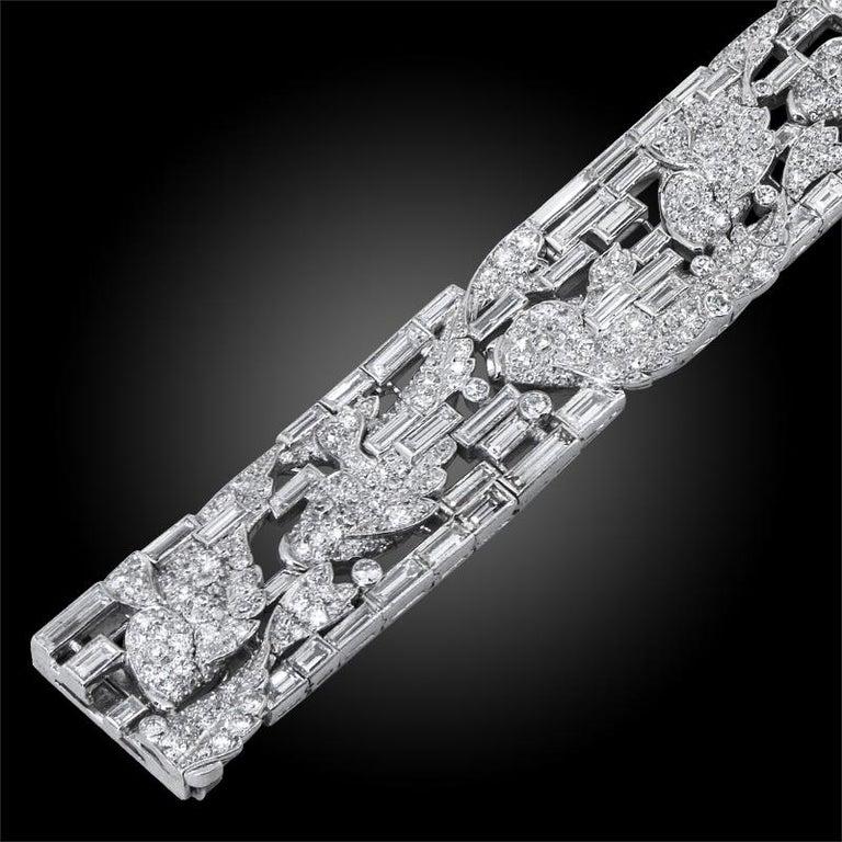 Round Cut Harry Winston Platinum Diamond Fish Motif Bracelet For Sale