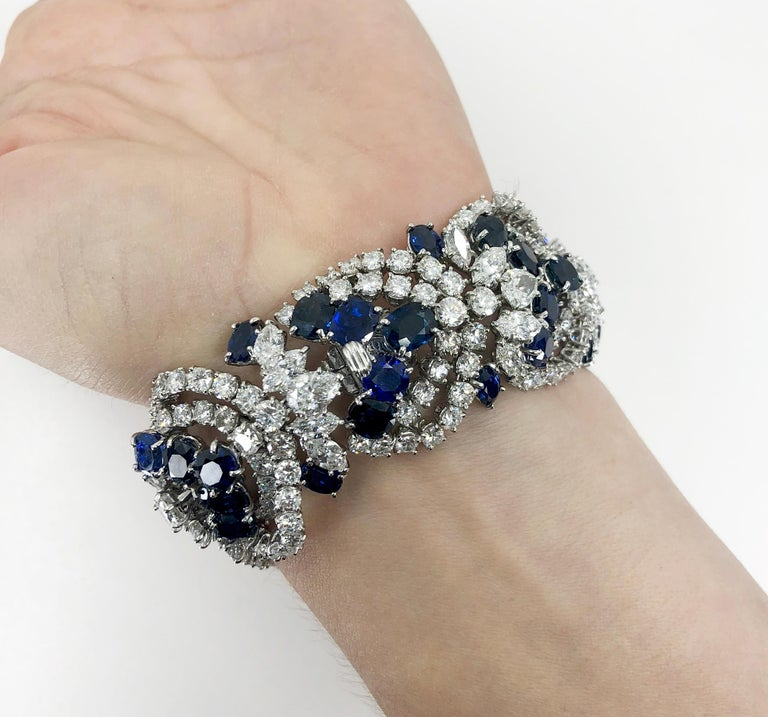 Harry Winston Sapphire Diamond Articulated Bracelet In Good Condition For Sale In New York, NY