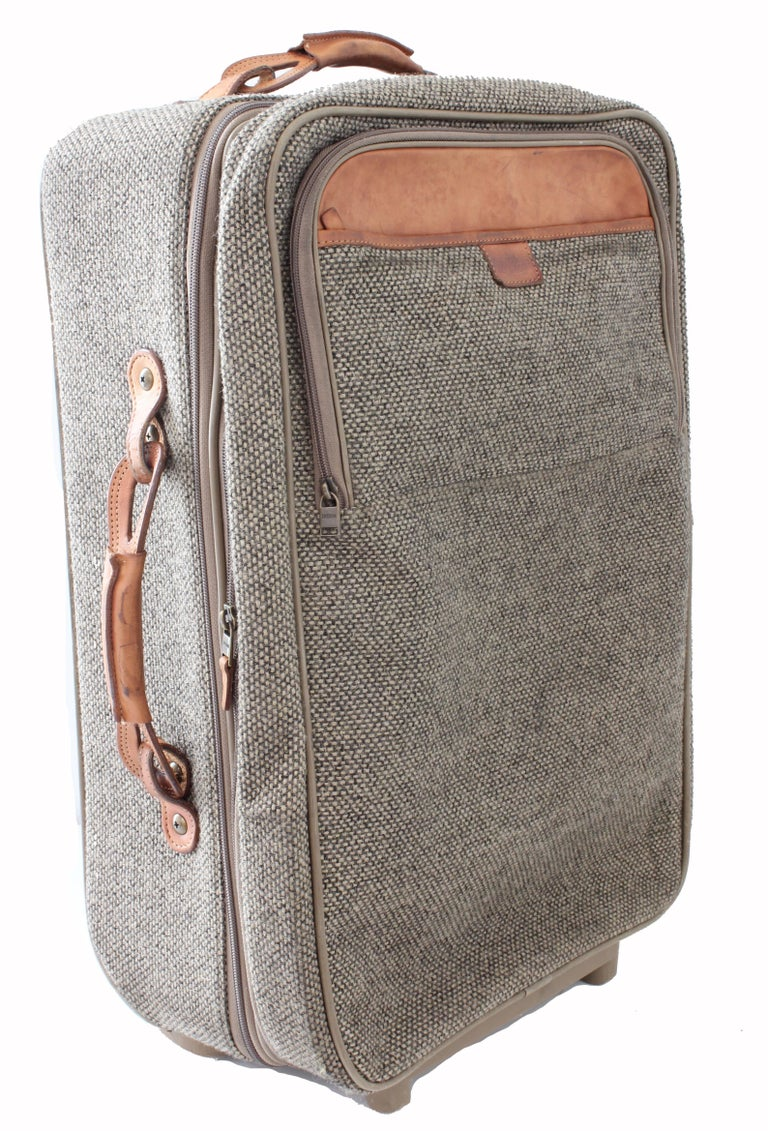 Hartmann Luggage 22in Expandable Roller Suitcase Tweed And