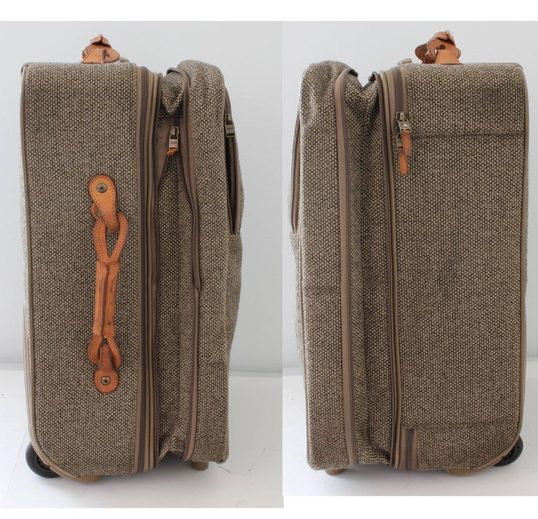 Hartmann Luggage 22in Expandable Roller Suitcase Tweed Leather 70s Vintage In Good Condition For