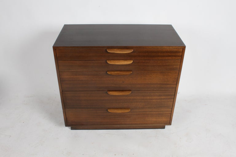 Mid-Century Modern Harvey Probber Mahogany and Rosewood Chest of Drawers For Sale