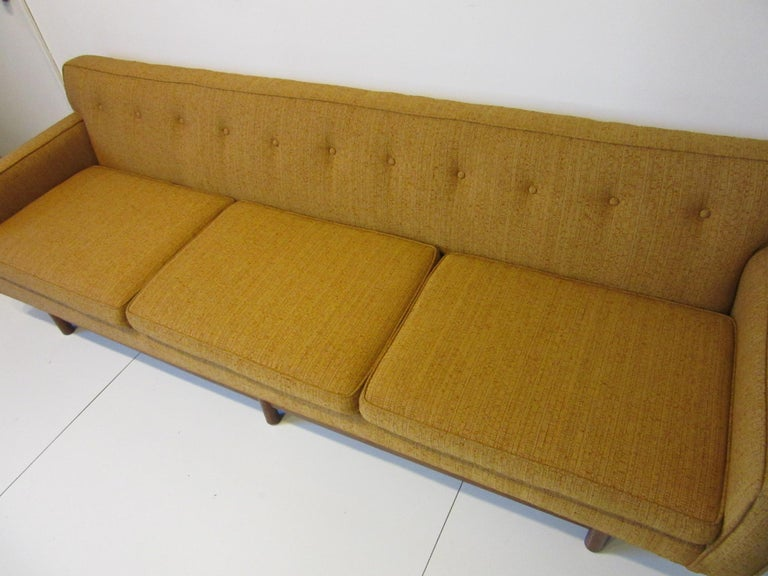 Mid Century Sofa in the style of Harvey Probber For Sale 1