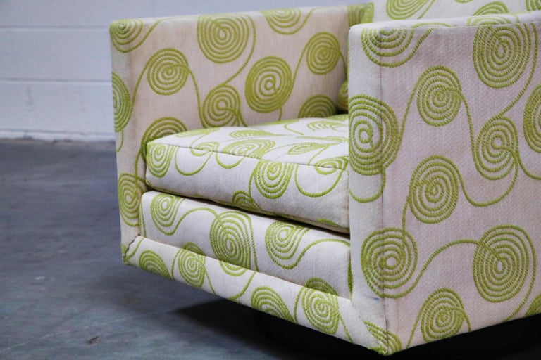 Harvey Probber Swivel Club Chair in Original Fabric, circa 1960, Signed For Sale 5