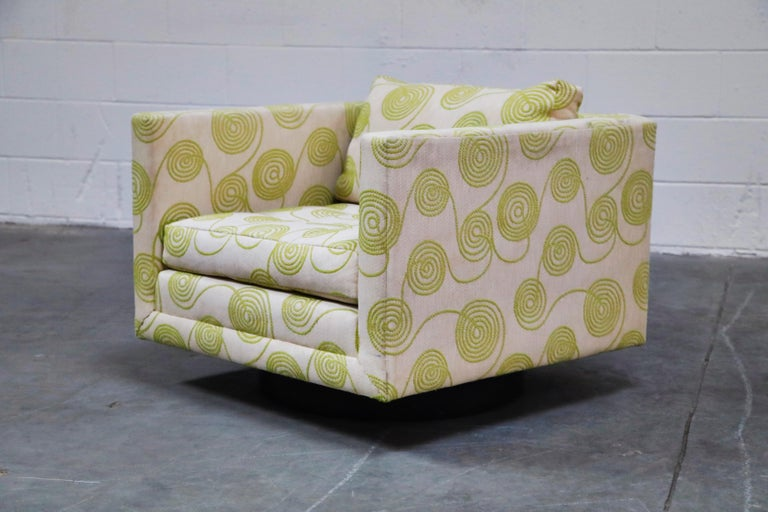 Mid-Century Modern Harvey Probber Swivel Club Chair in Original Fabric, circa 1960, Signed For Sale