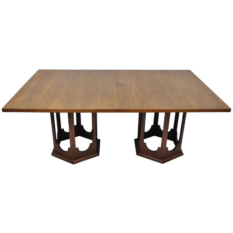 Harvey Probber Walnut Mid Century Modern Sculptural Pedestal Base Dining Table For