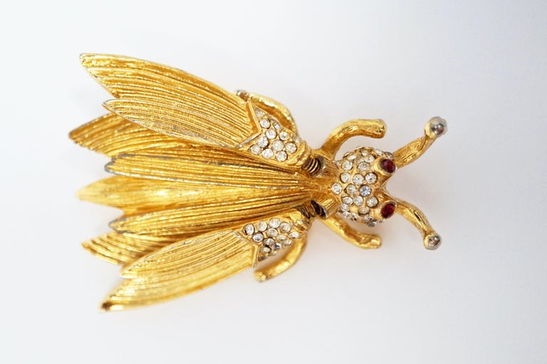 Hattie Carnegie Gilded Insect Trembler Brooch, circa 1940s In Good Condition For Sale In Los Angeles, CA