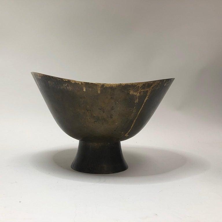 Hayno Focken Footed Bowl Hammered Brass Bauhaus For Sale 4