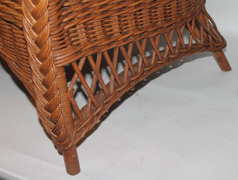Haywood Wakefield Wicker Armchair with Cushions In Good Condition For Sale In Los Angeles, CA
