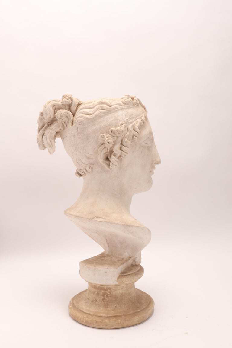 Head of a Women Neoclassic Portrait, Italy, 1890 For Sale 1