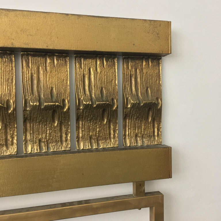 20th Century Headboard of Cast and Hammered Brass by Luciano Frigerio, Italy For Sale