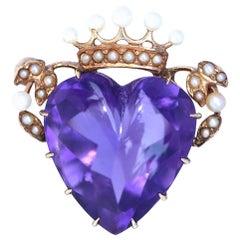 Heart Amethyst Purple Cabochon Pearls Crown Brooch 14 Karat Yellow Gold, 1930