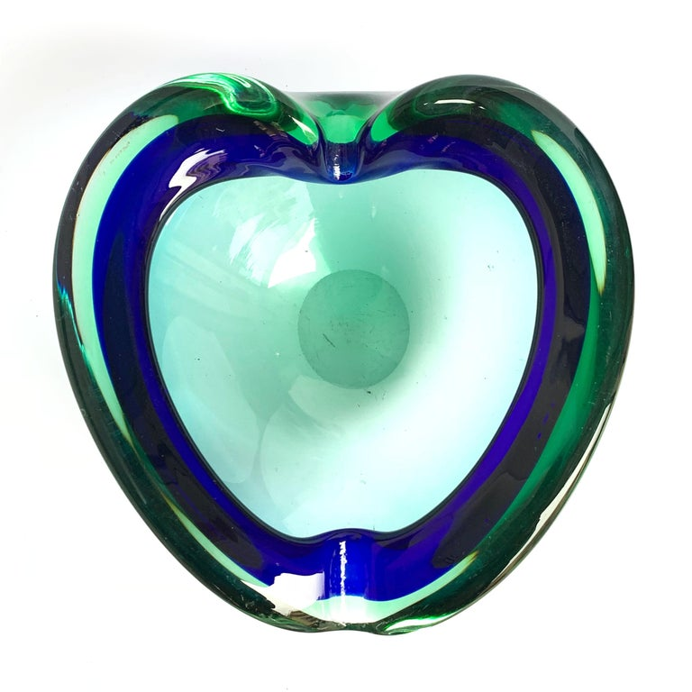 Mid-Century Modern Heart Glass Bowl or Ashtray Green and Blue, Glass Sommerso Murano, Italy, 1960s For Sale